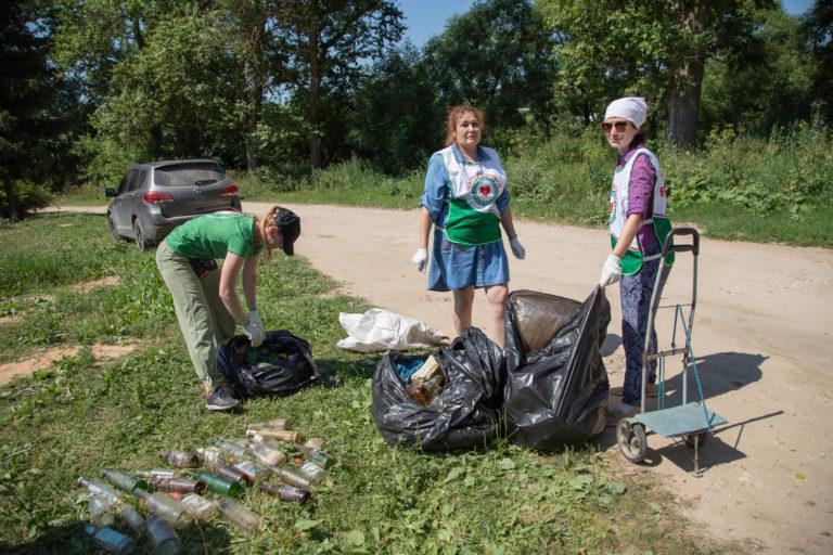 Субботник на Протве: 8 кубометров мусора за 2,5 часа